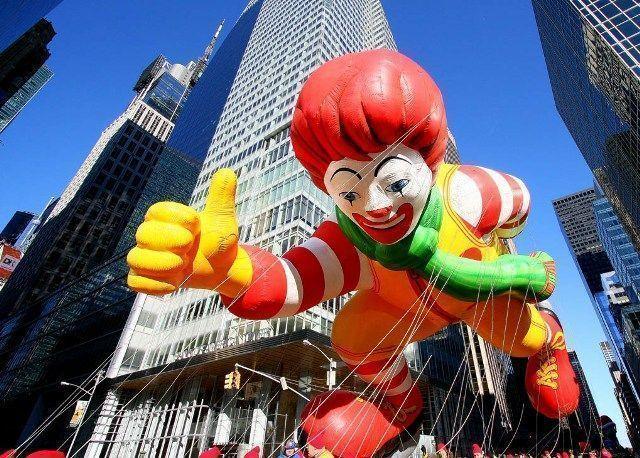 Acción de Gracias-Ronald en Nueva York- Macdonals