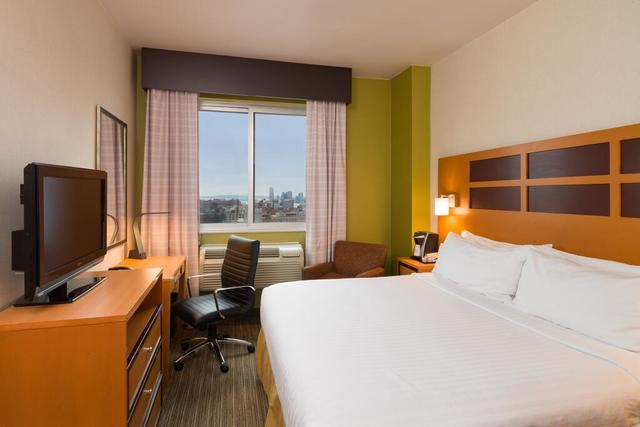 Hoteles baratos en Times Square Holiday Inn