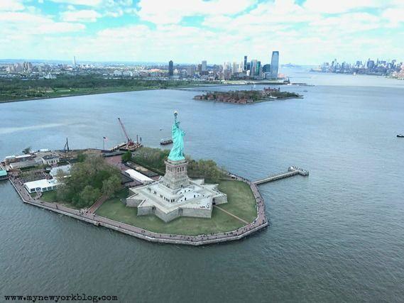 Estatua de la Libertad desde helicóptero