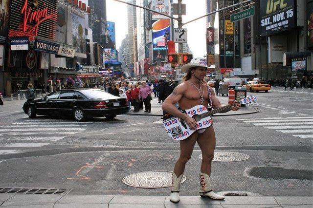 Qué ver en Times Square Naked Cowboy