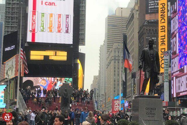 Qué ver en Times Square esculturas
